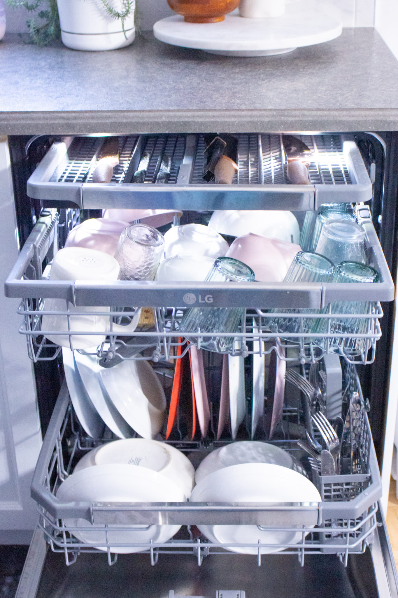 Easy Toddler Chores | LG QuadWash Steam Dishwasher Review