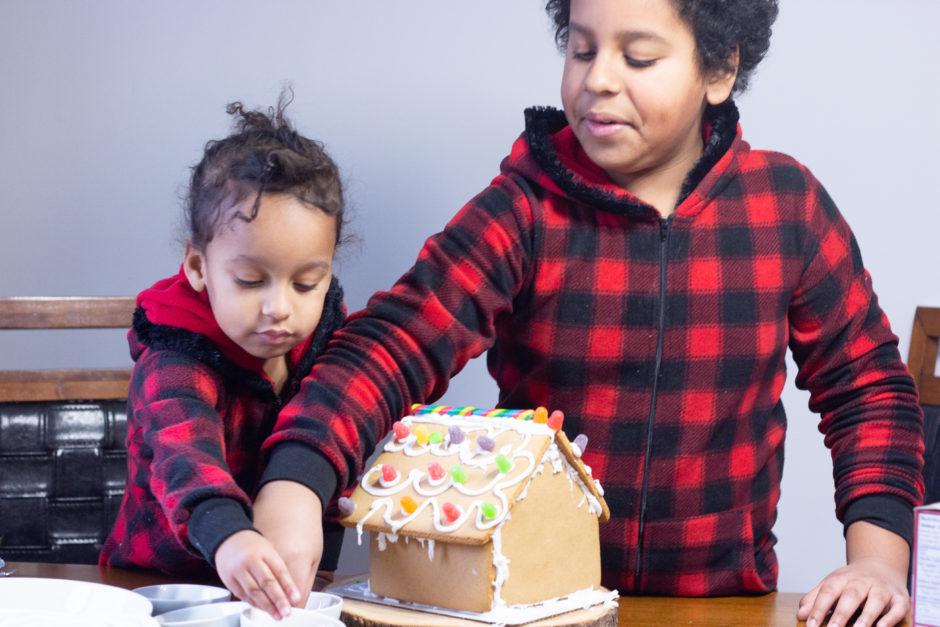 Creating Christmas Memories   Gingerbread House