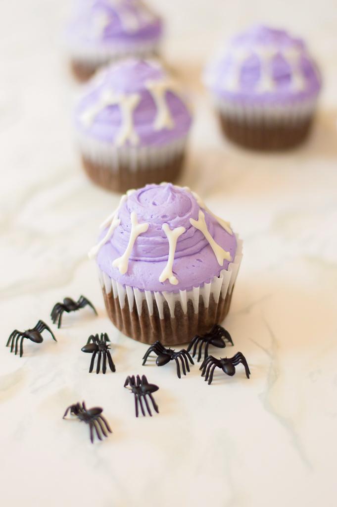 DIY Halloween Bones Cupcake