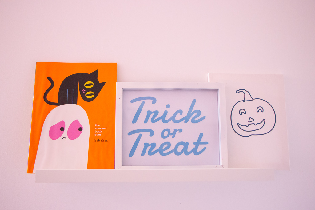 DIY Easy Halloween Themed Wall Gallery | Cricut Explorer Air 2