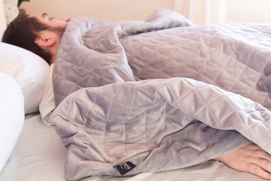 3 Tips on How to Sleep Better | Gravid Weighted Blanket Review