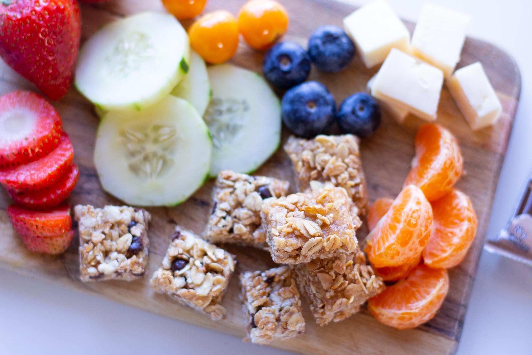 Snack board featuring Quaker Chewy granola bars