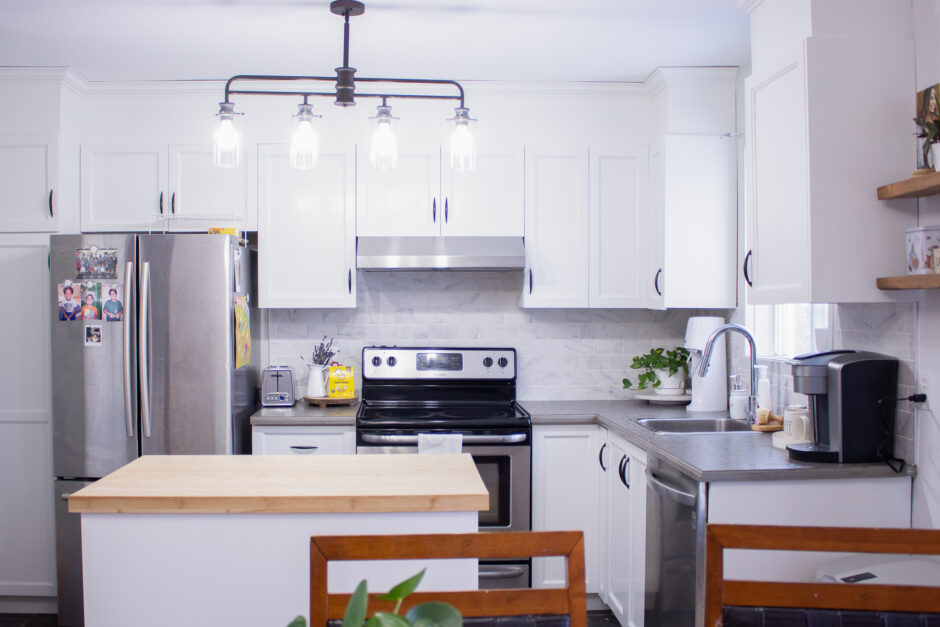 Adding a Special Touch to Your Kitchen: 4 Tips for a Cheap Remodel